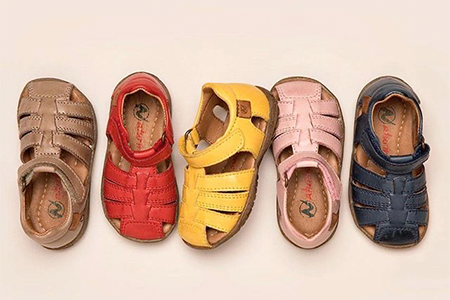 best-sandals-for-kids-with-narrow-feet