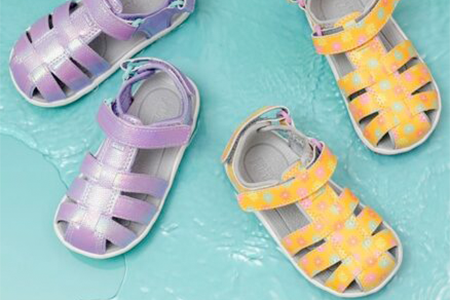 wide-dress-sandals-for-girls