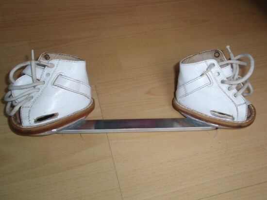 clubfoot-bar-shoes