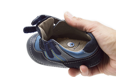 easy-to-put-on-baby-shoes