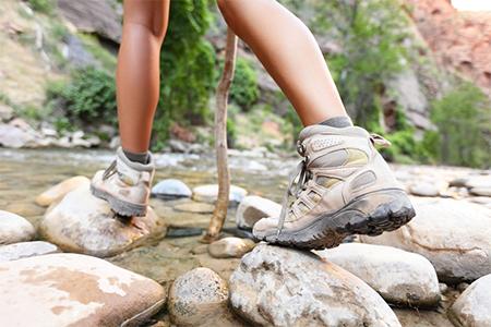 waterproof-girl-hiking-boots
