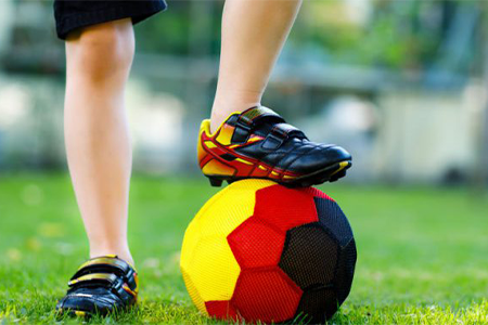 kids-soccer-cleats-with-velcro