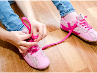 how-to-teach-a-child-tie-his-shoes