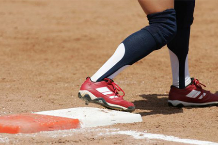 wide-softball-cleats-for-kids