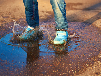 water-resistant-shoes-for-kids