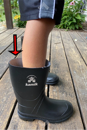 rain-boots-that-are-too-wide